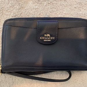 COACH SMOOTHE LEATHER WRISTLET PHONE WALLET NWOT